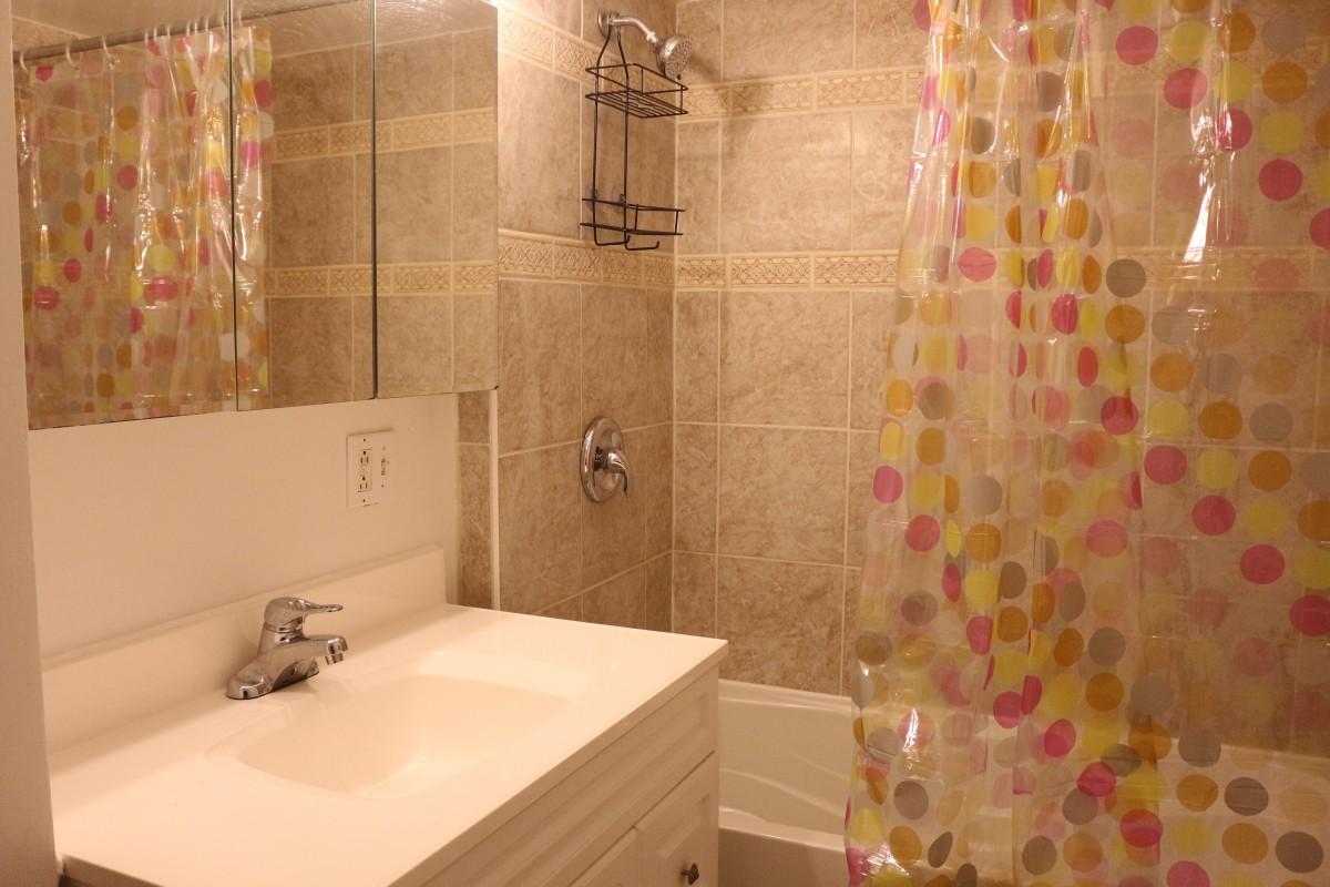 Salle De Bain Shower Curtain ~ rental montreal
